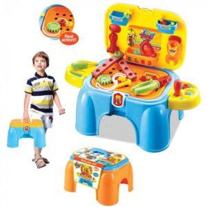 Stolica i alat za decu u koferu