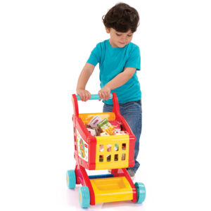 Decak i igracka kolica za supermarket