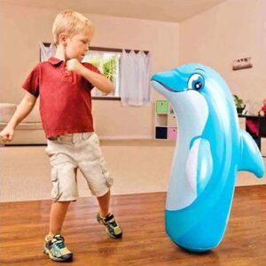 Plava igracka na naduvavanje u obliku delfina