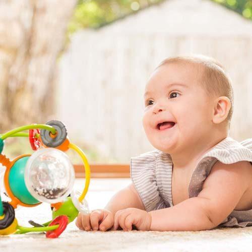 Zvecka u obliku lopte Infantino