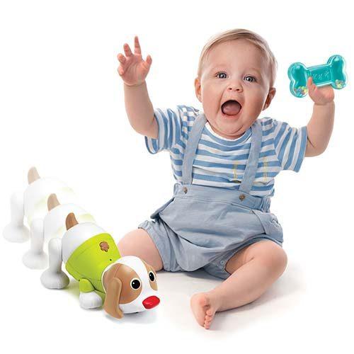 beba se igra sa psom i kucom bkids