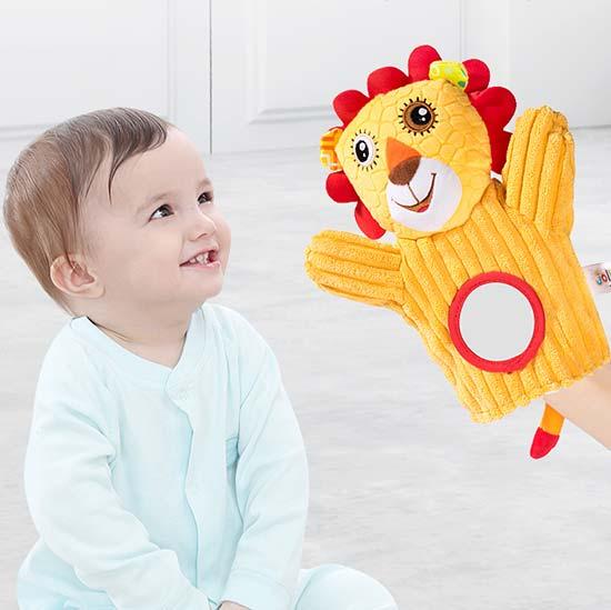 beba i edukativna rukavica lav