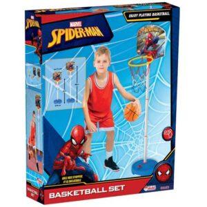 decak se igra sa spiderman setom za kosarku