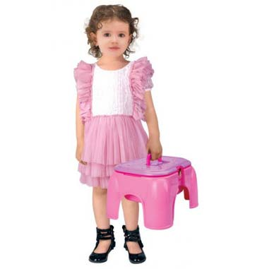 devojcica sa stolicom beauty denis