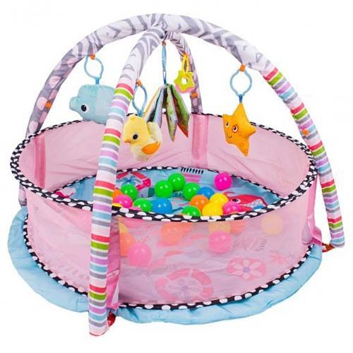 roze podloga za bebe sa lopticama