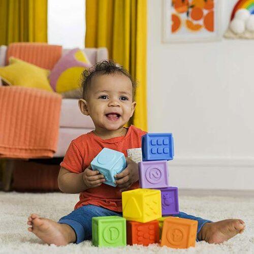 beba se igra sa kockama kids II